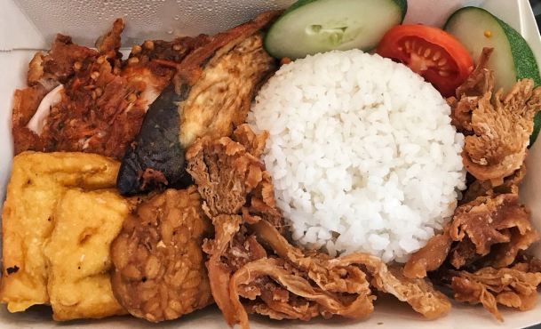 Paket Istimewa Ayam Crispy Kecombrang