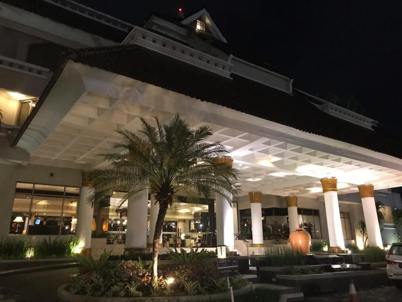 Santika Hotel - ssaravina.com